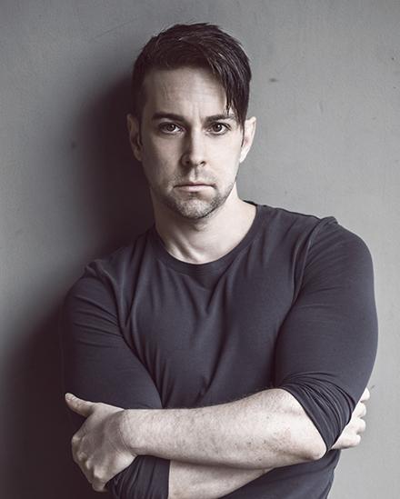 Director John de los Santos